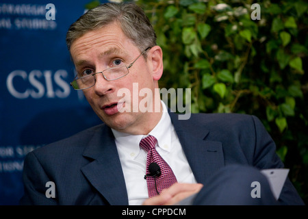 Klaus Kleinfeld, chairman and CEO of Alcoa Inc. - Stock Photo