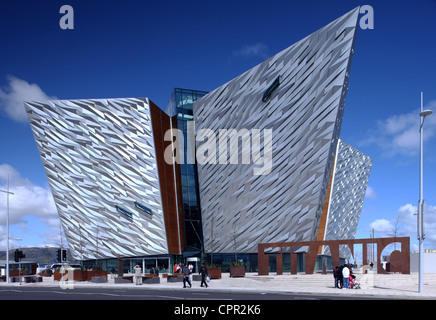 Visitors outside Titanic Belfast Signature Project - Stock Photo