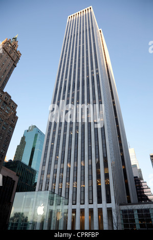 General Motors Building on Fifth Avenue in Manhattan, New York City - Stock Photo