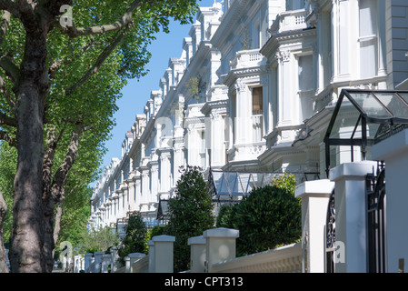 Exclusive properties on Holland Park W11 in the Royal Borough of Kensington and Chelsea, London, UK. - Stock Photo