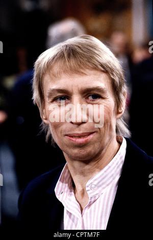 Hildebrandt, Regine, 26.4.1941 - 26.11.2001, German politician (SPD), labour minister (1990), portrait, circa 1990, - Stock Photo