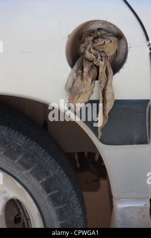 Mallorca, 20120528, Auto ohne Tankdeckel, Abdichtung mit einem Lappen - Stock Photo