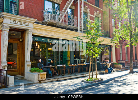 Cafe on West 4th Street, Near Perry, West Village, Greenwich Village, New York City. - Stock Photo