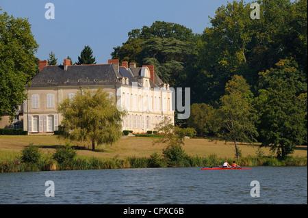 France, Loire Atlantique, La Chapelle sur Erdre, near Nantes, Chateau de la Desnerie on Erdre River banks - Stock Photo