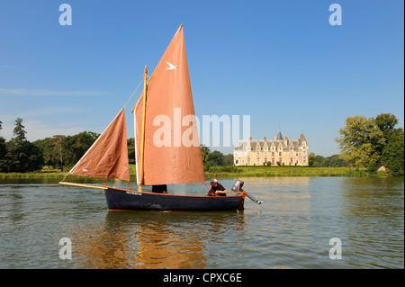 France, Loire Atlantique, La Chapelle sur Erdre, near Nantes, Chateau de la Gascherie on Erdre River banks - Stock Photo