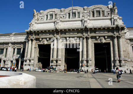 Italy. Milan. Milano Centrale railway station. 1931. Built by Ulisse Stacchini (1871-1947). Exterior. - Stock Photo