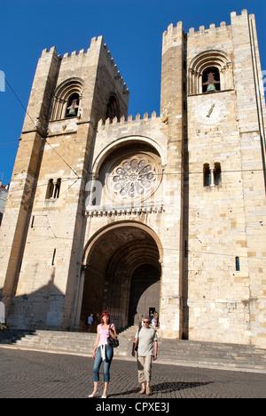 Portugal, Lisbon, Alfama District, Se Patriarcal Cathedral, Largo da Se - Stock Photo