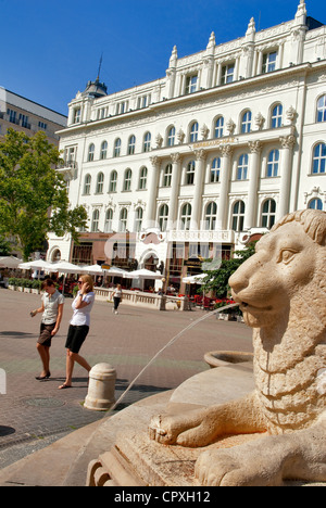 Hungary Budapest Varasmarty Square Lions Fountain With The - Where is hungary