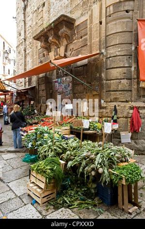 Italy, Sicily, Palermo, market on Piazza Ballaro - Stock Photo