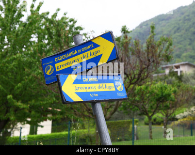 Signs showing the Greenway del lago walk around lake Como, Lenno, Italian Lakes, Lombardy, Italy