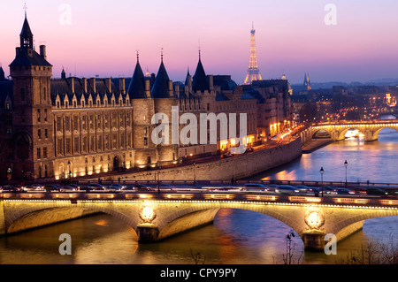 France Paris banks of Seine river listed as World Heritage by UNESCO Conciergerie on City island pont au Change - Stock Photo