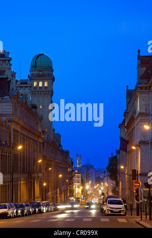 France, Paris, Rue Saint Jacques at the crossroad with the Rue Soufflot - Stock Photo