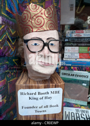 Papier mache puppet of 'King of Hay' Richard Booth and founder of book towns in a bookstore window at Hay Festival, - Stock Photo