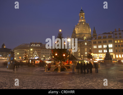 Christmas market in front of the Frauenkirche Church of Our Lady on the Neumarkt square, Dresden, Saxony, Germany, - Stock Photo