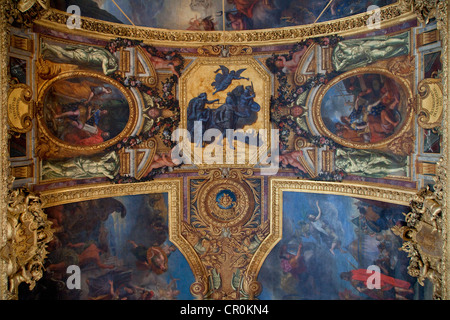 France, Yvelines, Chateau de Versailles, UNESCO World Heritage, Galerie des Glaces (Hall of Mirrors), length 73m - Stock Photo