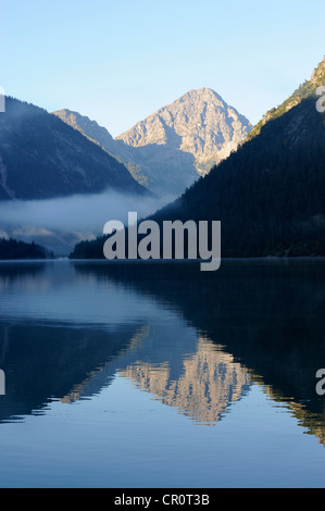 Plansee Lake, Ammergau Alps, Ammergebirge Mountains, looking towards Thaneller Mountain in the Lechtal Alps, Tyrol, - Stock Photo