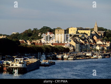 France, Yvelines, Conflans Sainte Honorine, the harbour at the confluence of the Seine and Oise Rivers - Stock Photo