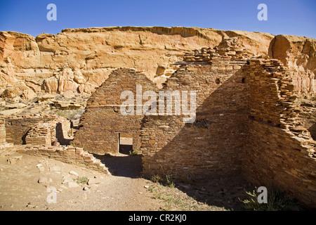 The sandstone walls of the Anasazi great house of Chetro Ketl, Chaco Canyon National Historical Park, New Mexico - Stock Photo