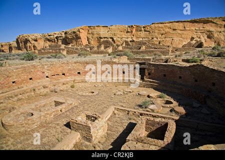 The great kiva, Chetro Ketl Anasazi ruins, Chaco Canyon National Historical Park, New Mexico - Stock Photo