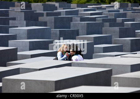Germany, Berlin, Mitte District, Mahnmal-Holocaust, Memorial for Holocaust victims by the architect Peter Eisenmann - Stock Photo