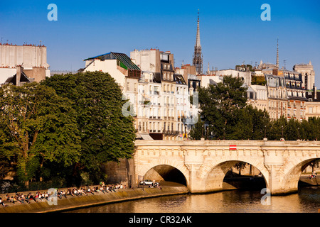 France, Paris, the Pont Neuf (New Bridge) on the banks of the Seine river UNESCO World Heritage - Stock Photo