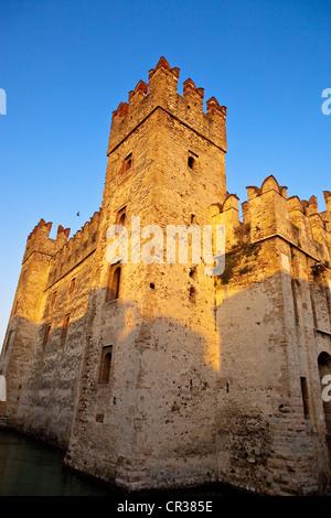 Italy, Lombardy, Lake Garda, Sirmione, the castle of Rocca Scaligieri