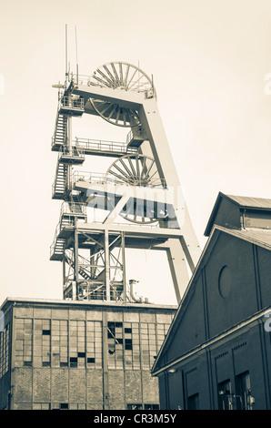 Headframe of Zeche Ewald colliery, Herten, Recklinghausen district, Ruhr Area, North Rhine-Westphalia, Germany, - Stock Photo