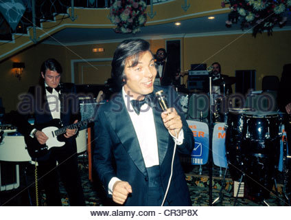 Gott, Karel, * 14.7.1939, Czech singer, half length, during a show, 1970s, stage, concert, singing, microphone, - Stock Photo