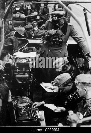 Guderian, Heinz, 17.6.1888 - 14.5.1954, German general, in his command car, France, June 1940, , Additional-Rights - Stock Photo