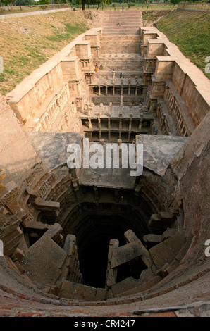 India, Gujarat State, Patan, Rani Ki Vav (the Ranis's well or Queen's step well) - Stock Photo