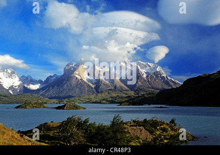 Chile, Magallanes and Antartica Chilena Region, Ultima Esperanza Province, Torres del paine National Park, Pehoe - Stock Photo