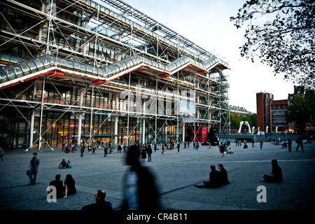 Centre Pompidou, by architects Renzo Piano, Richard Rogers and Gianfranco Franchini, Paris, France, Europe - Stock Photo