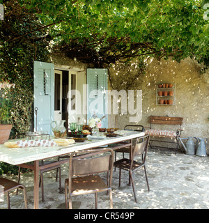 Luberon farmhouse renovation with locally sourced rustic pieces - Stock Photo