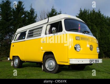 Bay WIndow VW Volkswagen camper van, micro bus - Stock Photo