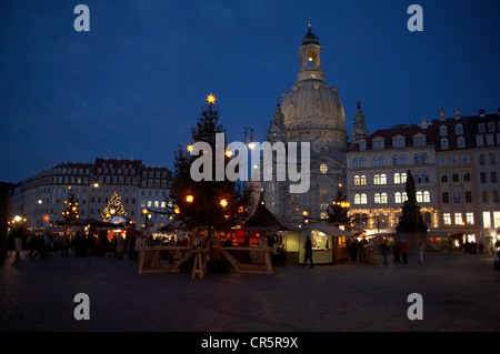 Christmas market Anno 1901 on Neumarkt square in front of the Church of Our Lady, Gruenderzeit period buildings, - Stock Photo