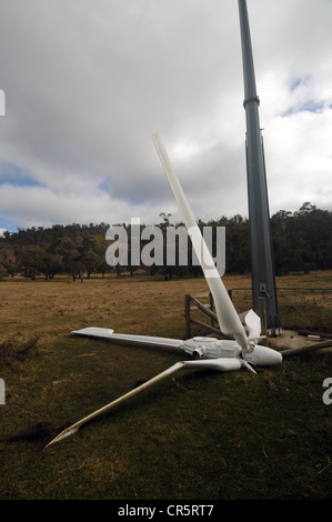 Head of wind turbine on ground with broken blades, NSW, Australia. No PR - Stock Photo