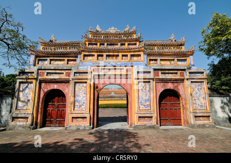 West Gate, Chuong Duc, Hoang Thanh Imperial Palace, Forbidden City, Hue, UNESCO World Heritage Site, Vietnam, Asia - Stock Photo