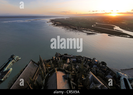 France, Manche, Mont Saint Michel, UNESCO World Heritage, Apse and stairs seen from the spire and the bay at dawn - Stock Photo