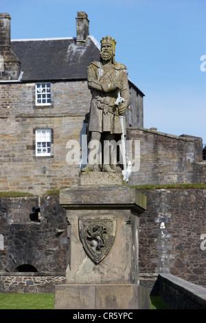 robert the bruce statue outside stirling castle scotland uk
