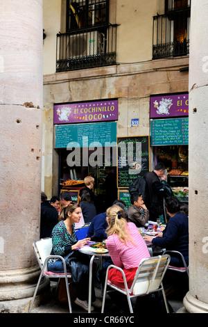 Spain, Catalonia, Barcelona, La Rambla, Boqueria Market, restaurant terrace - Stock Photo