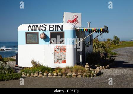 Nins Bin Lobster Caravan, Kaikoura Coast, Marlborough, South Island, New Zealand - Stock Photo