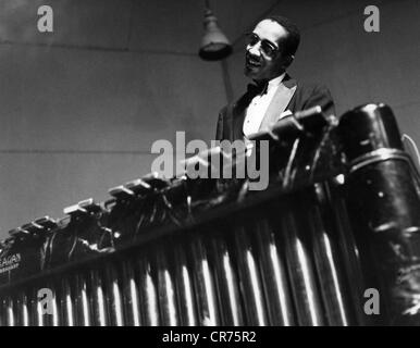 Modern Jazz Quartett, the, American jazz band, member: Milt Jackson, playing vibraphone, 1955, Additional-Rights - Stock Photo