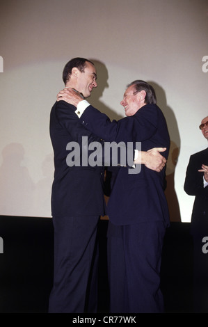 Eichinger, Bernd, 11.4.1949 - 24.1.2011, German film producer, half length, with the US American author Hubert Selby, - Stock Photo