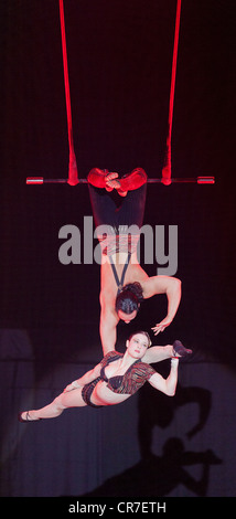 Trapeze act, Duo Rose, Samuel and Sylvia, FlicFlac Christmas Circus, premiere of Schrille Nacht, eilige Nacht, Westfalia - Stock Photo