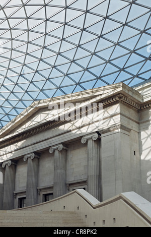 Great Court, inner courtyard with modern domed roof, steel and glass construction, British Museum, London, England - Stock Photo