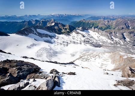 View from Hochfeiler Mountain, Pfitschertal, looking over Pfitschertal Valley, Valle Isarco and Wipptal and the - Stock Photo