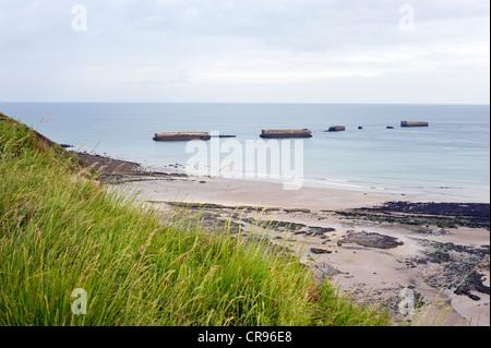 Arromanches-les-Bains, D-Day, Gold Beach, remnants of the artificial landing harbour, Mulberry Harbour, Normandy, - Stock Photo