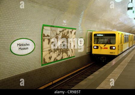 Berlin, Germany. U-Bahn (underground railway). Markisches Museum station - underground train arriving at platform - Stock Photo