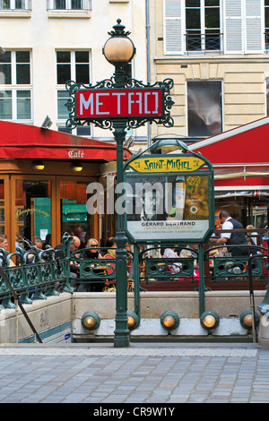 entrance to saint michel metro station paris stock photo royalty free image 35360984 alamy. Black Bedroom Furniture Sets. Home Design Ideas