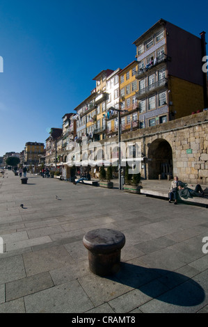 Boardwalk with restaurant on the banks of the Rio Douro river, Porto, Portugal, Europe - Stock Photo